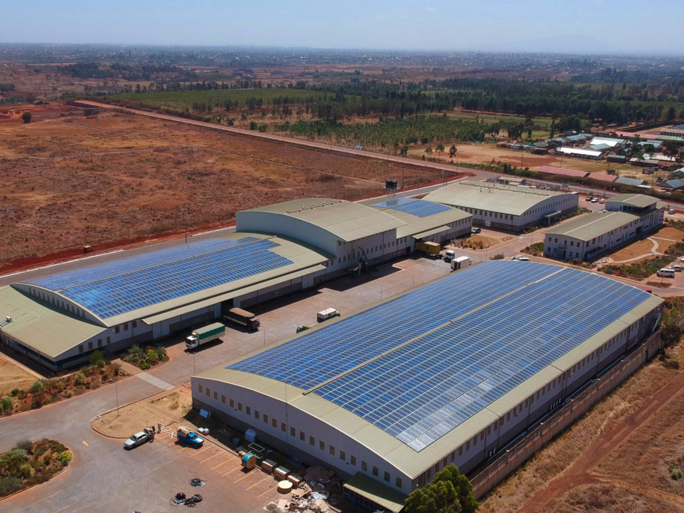 940 kW grid-tied plant on factory roof | Kenya